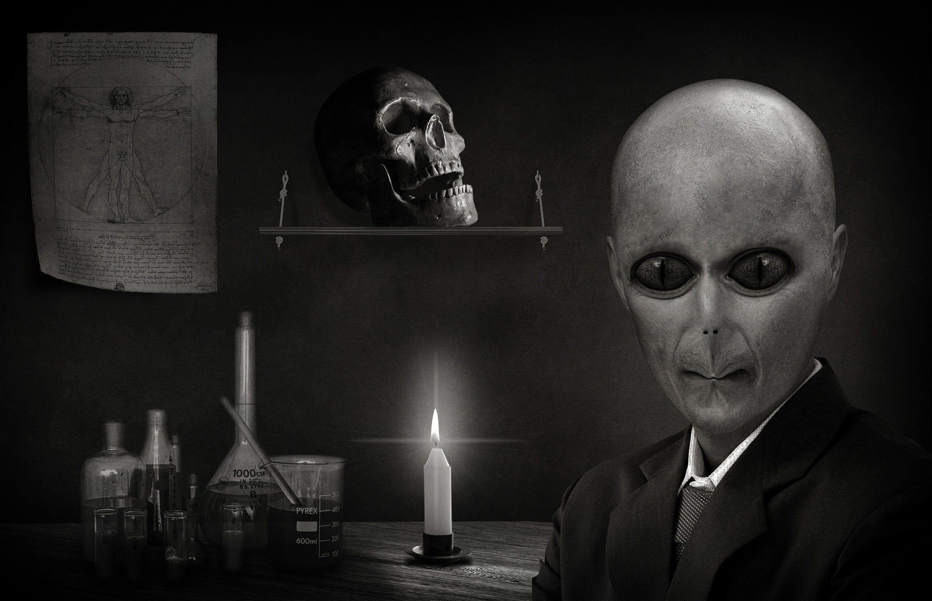 conspiracy-theories-podcast-featured-photo